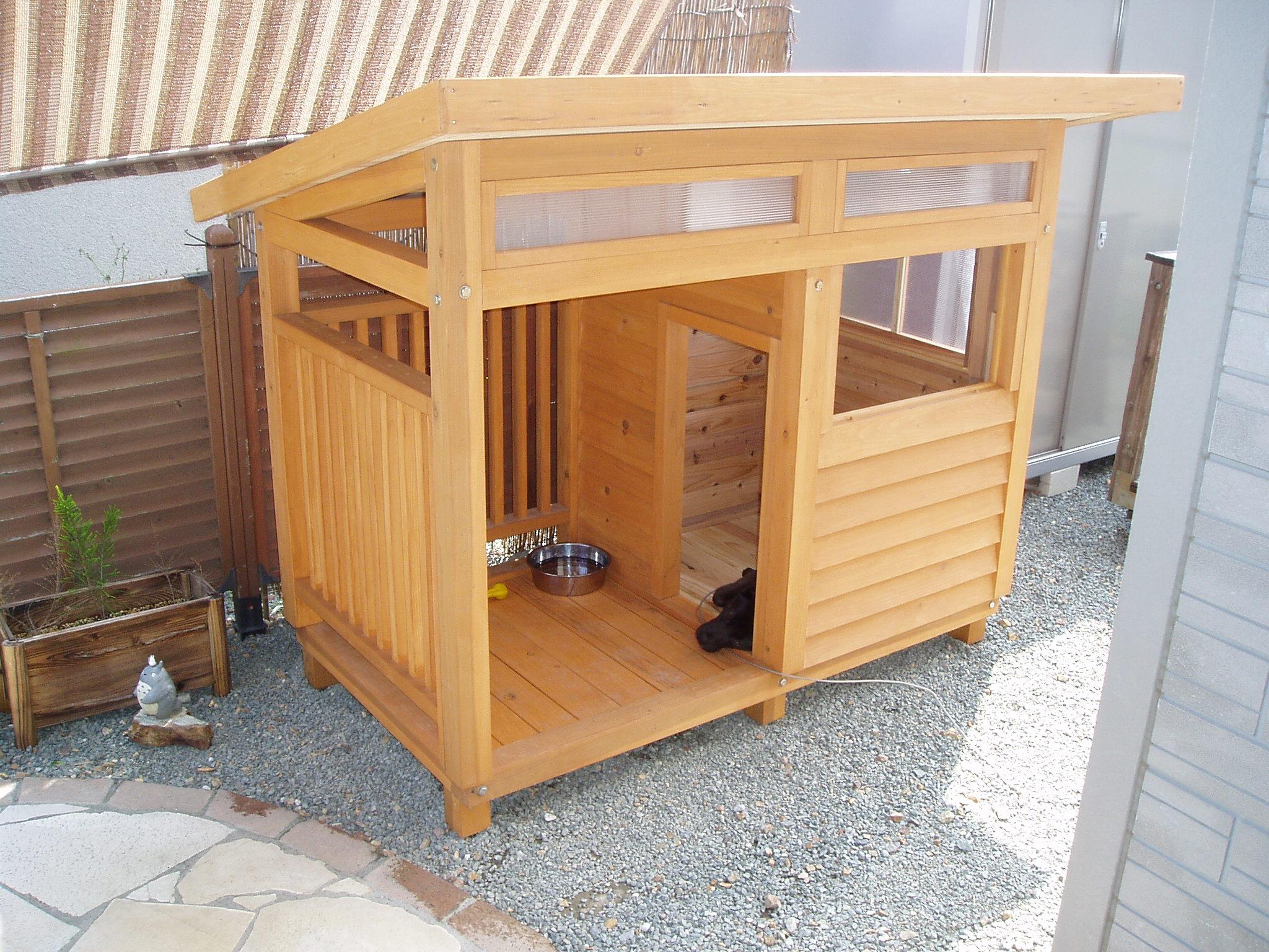 にお住まいのM様からの犬小屋設置写真1